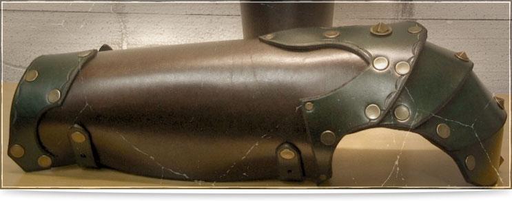 Waffenmeister | Beinschienen aus Leder
