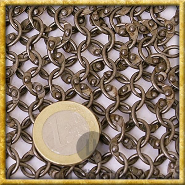 Kettenhaube mit quadratischem Ausschnitt - Rundringe