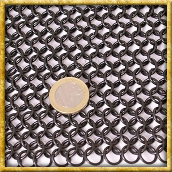 Kettenhaube mit quadratischem Mundschutz